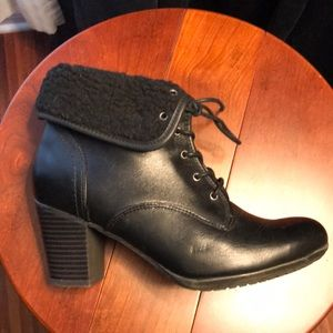 WATERPROOF AquaCollege leather ankle boots